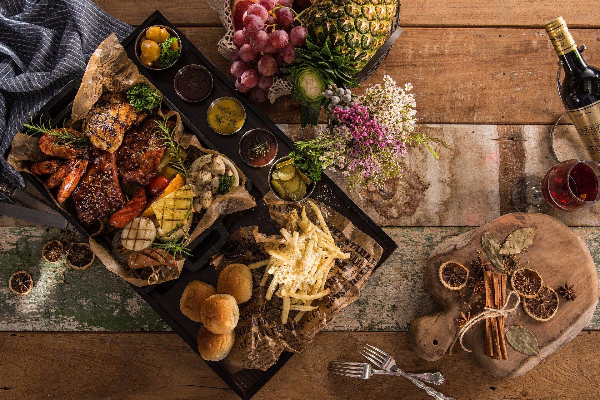 Stół wiejski menu tradycyjne